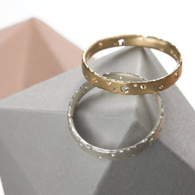 Precious 18ct Gold Ring Set With Diamonds - Handcrafted & Custom-Made